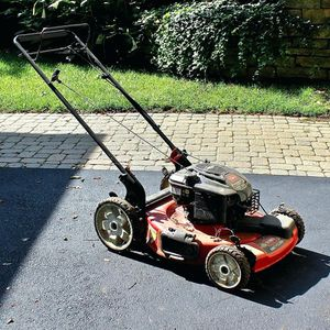 Toro 149cc lawn mower 6.75 torque for Sale in Fort Lauderdale, FL