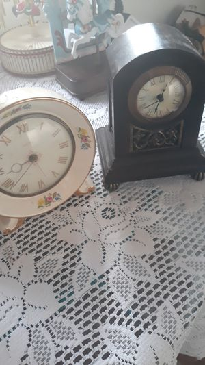 Antique clock for Sale in Stockdale, TX