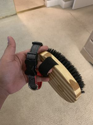 DOG COLLAR AND BRUSH for Sale in Sacramento, CA