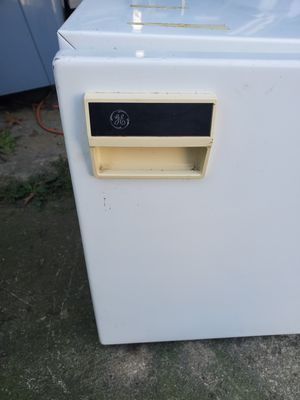 Mini fridge for Sale in Lorain, OH