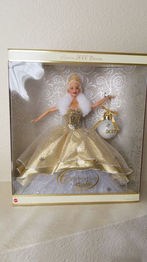 Special 2000 Holiday edition Barbie for Sale in Cypress, CA
