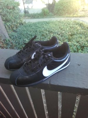 Nike Cortez size 5y $10 for Sale in Mesquite, TX