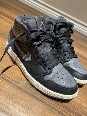 Jordan 1 - Retro black and gray - Sz 8.5 for Sale in Denver, CO