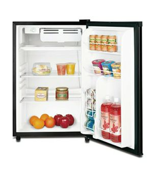 mini Fridge freezer *CLEAN* GOOD for Sale in Buena Park, CA