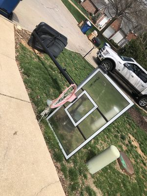 Working Rebok Easy Adjustable full size basketball hoop for Sale in Ballwin, MO
