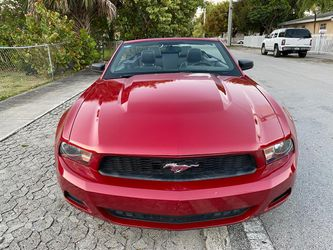 2012 Ford Mustang Convertible for Sale in Miami,  FL