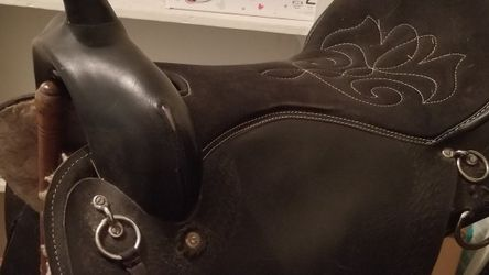 16 Inch Weatern Leather Saddle for Sale in Bowling Green,  FL