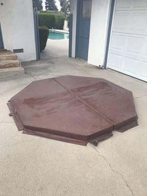Hot tub cover. for Sale in Glendora, CA