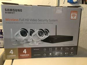 Samsung 4-Channel 1080p NVR Surveillance System with 1TB Hard Drive, 4-Camera 1080p Wireless Indoor/Outdoor Cameras for Sale in Roanoke, VA