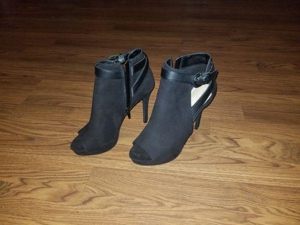 APT . 9 Heels size 10