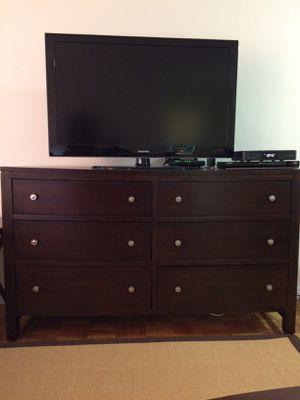 Bassett Furniture Redin Park Dresser for Sale in Vienna, VA