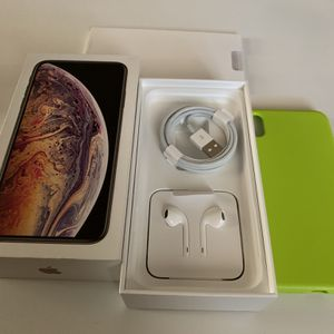 IPHONE XS Plus for Sale in Cabazon, CA