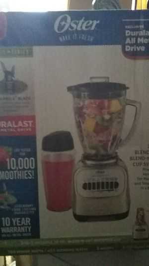 Oster 2 in 1 blender and blend n go cup sustem for Sale in Aurora, CO