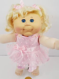 "Cabbage Patch Kids 2016 15"" Blonde Hair Blue Eyes Doll Toy Girl Pink Dress for Sale in Brooklyn,  NY"