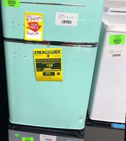 Magic Chef Mini Refrigerator HMCR320ME 641 for Sale in China Spring,  TX