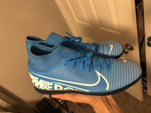 Indoor shoes Nike mercurial superfly size 10 for Sale in Nashville, TN