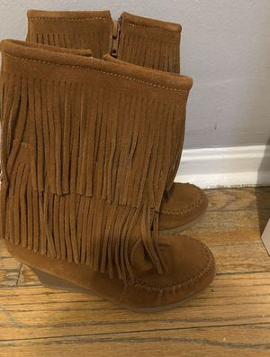 Minnetonka Wedge Fringe Boots for Sale in New York, NY
