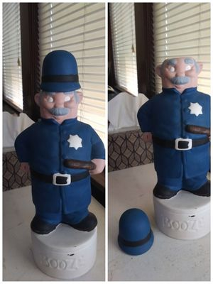 Vintage policeman booze bottle for Sale in Belleville, NJ