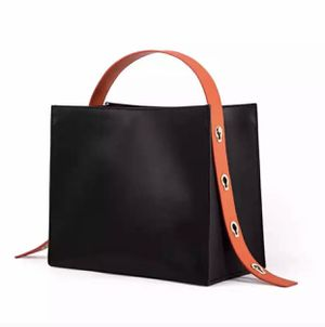 Genuine leather handbag for Sale in New York, NY