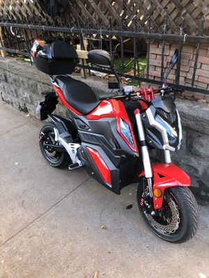 Eclectic motorcycle. Barely used brand new 75 volt battery 99 kmh for Sale in Brooklyn, NY