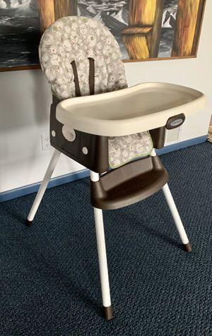 GRACO SIMPLE SWITCH PORTABLE HIGH CHAIR AND BOOSTER for Sale in Lancaster, OH