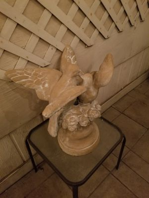 Fountain Top Birds Kissing for Sale in Upland, CA