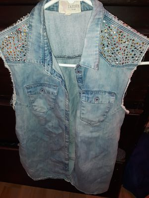 $5 blue jean jacket sleeveless😁 for Sale in Los Angeles, CA