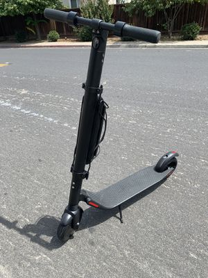 Segway-Ninebot es4 electric scooter 2019 for Sale in Antioch, CA