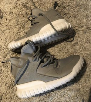 Adidas size 4.5 youth or woman's 6 used only once for Sale in Anaheim, CA
