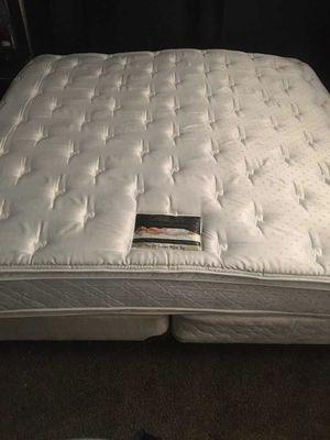 King Size Beautyrest pillowtop mattress set for Sale in Mesquite, TX