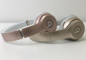 Beats wireless headphones Rose Gold & Gold bundle for Sale in San Diego, CA