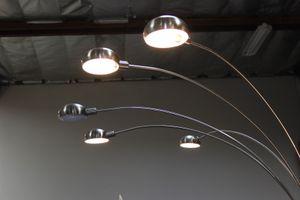 84 inch H Silver 5-Head Cap Style Floor Lamp, 6962SN-3 for Sale in Santa Fe Springs, CA
