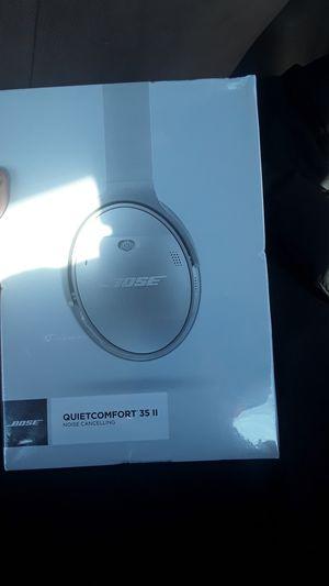 Bose quiet comfort 35ii for Sale in University City, MO