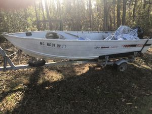14ft Lowe V bottom John boat 1410v w/ trailer for Sale in Lexington, NC