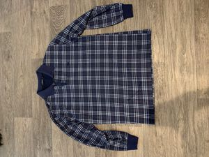 Burberry long sleeve collar size L for Sale in Las Vegas, NV