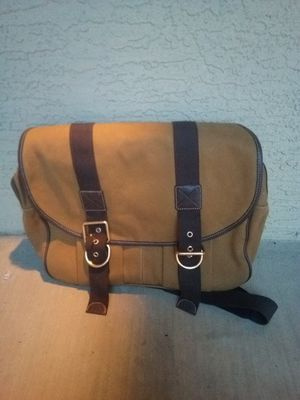 Lands End tan messenger bag clean gently used for Sale in Phoenix, AZ