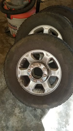 Set of 4 265/70-r17 for Sale in Poulsbo, WA
