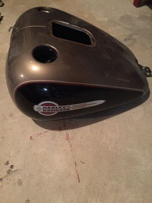 Harley tank 2001-2007 for Sale in Dakota Dunes, SD
