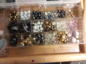 BEAD'S WITH ALL FINDING' AND CONTAINERS for Sale in Millersville, MD