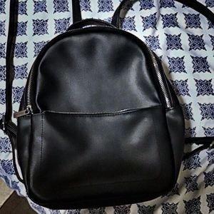 Black Mini/medium Size Backpack Purse for Sale in Lawrence, MA