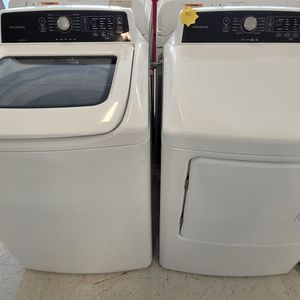 Frigidaire Tap Load Washer And Electric Dryer Set Used In Good Condition With 90day's Warranty for Sale in Mount Rainier, MD