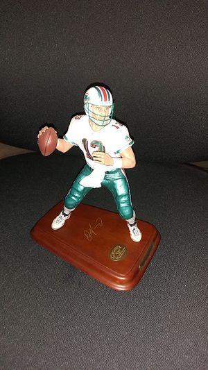 Dan Marino collector statue figurine for Sale in Oakland Park, FL