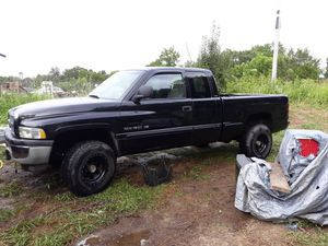 '98 Dodge Ram 4WD, 1500 Quad Cab for Sale in US