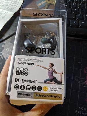 Sony nosie canceling earbuds WF-SP700N for Sale in Seattle, WA