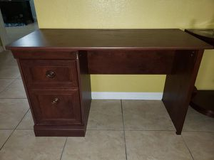 Desk for Sale in Pekin, IL