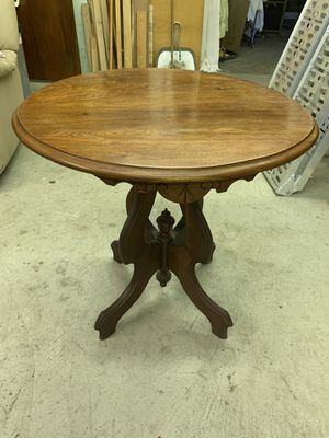 Beman and Pezold Antique End Table for Sale in Herminie, PA