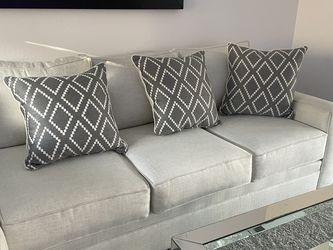 Brand New Sectionals Sofa Tags Still On The Sofa for Sale in Huntington Beach,  CA
