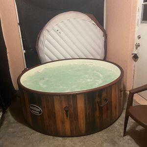 SaluSpa Helsinki Hot Tub / Spa for Sale in Lehigh Acres, FL