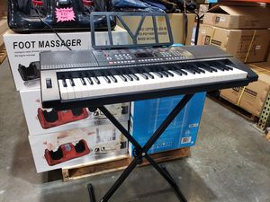 61 Keys Electronic Piano Keyboard Portable Piano Full Size USB with Stand 🎹🎼 for Sale in Ontario, CA