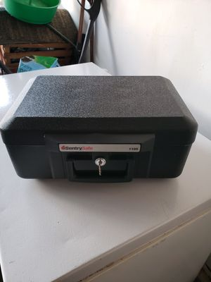 Sentry Fireproof and waterproof safe for Sale in Greer, SC